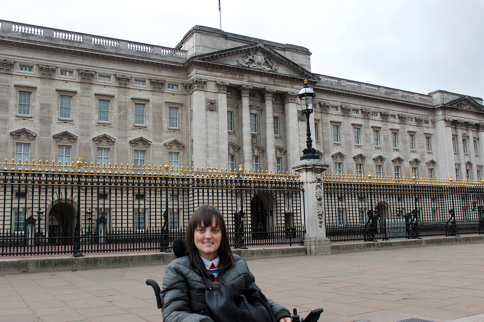 visiting buckingham palace in a wheelchair love moxie. Black Bedroom Furniture Sets. Home Design Ideas